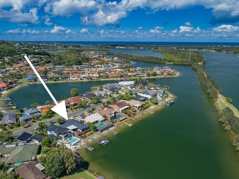 4 Commodore Court, Banora Point, NSW 2486