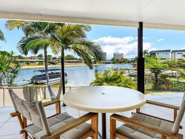 2 Helen Court, Broadbeach Waters, Qld 4218