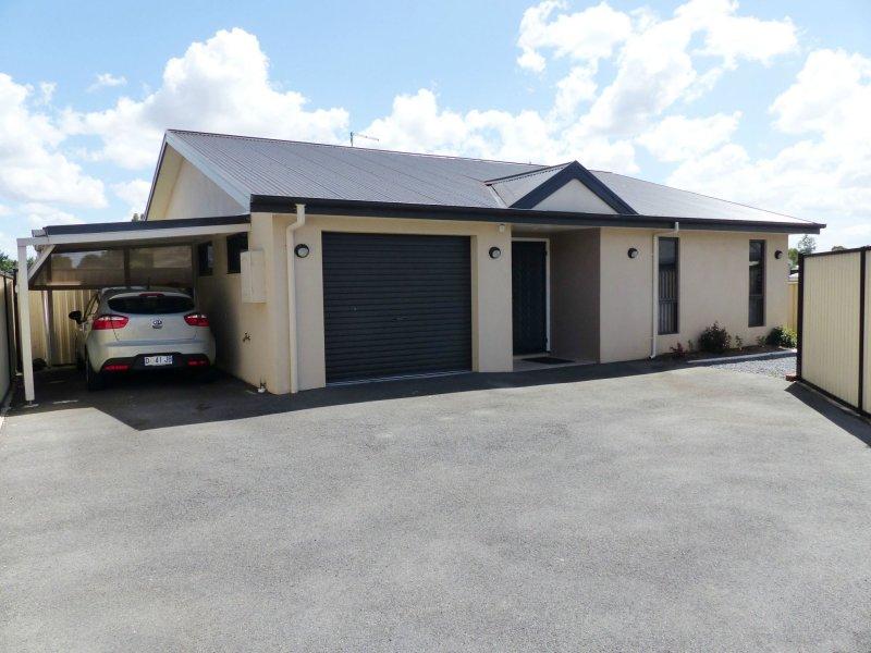 2/105A King Street, Westbury, Tas 7303