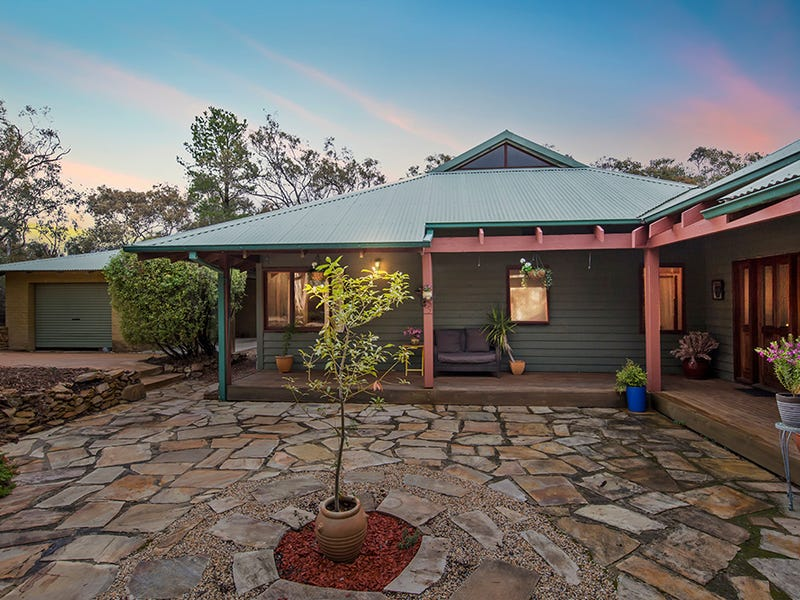 8 Woodman Place, Greenleigh, NSW 2620