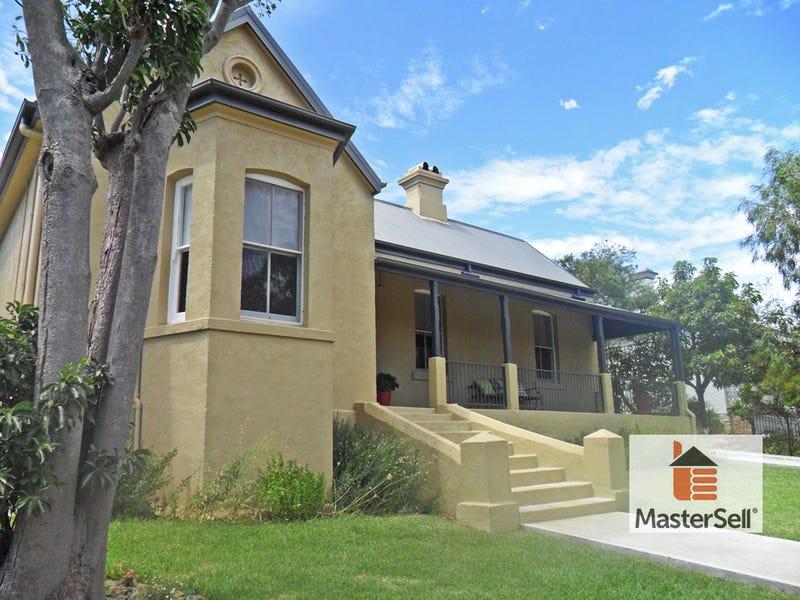53 Punch Steet, Gundagai, NSW 2722