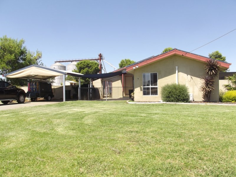 5 LIME STREET, Marrar, NSW 2652