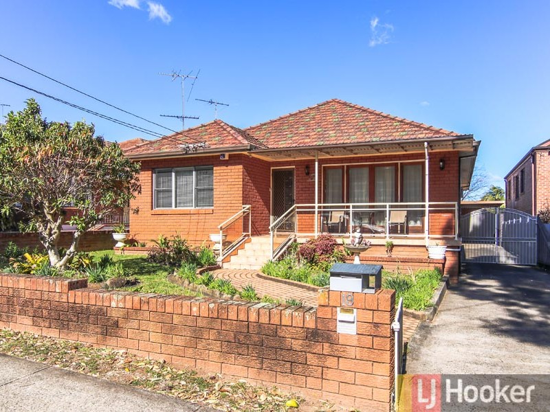19 Cairns Street, Riverwood, NSW 2210
