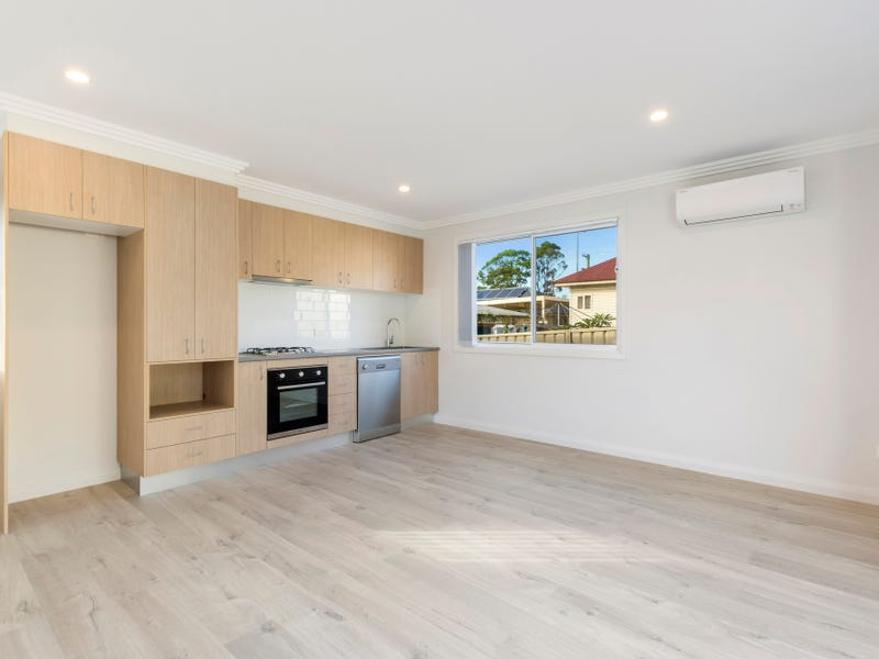 11a Rose Parade, Unanderra, NSW 2526
