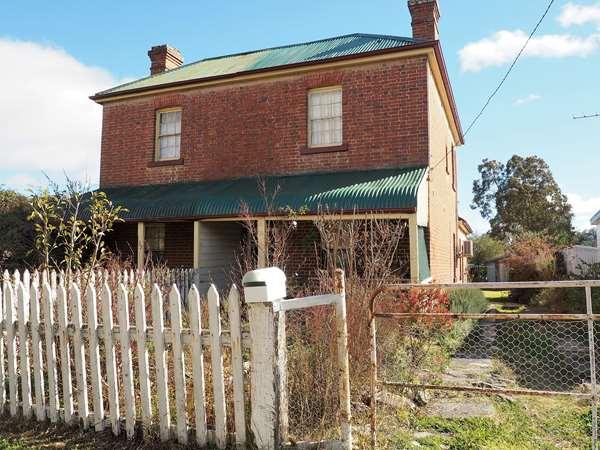 35 Maitland Street, Uralla, NSW 2358