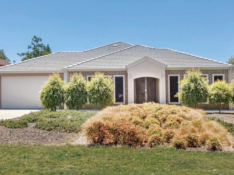 12 Stirling Drive, Lake Gardens, Vic 3355