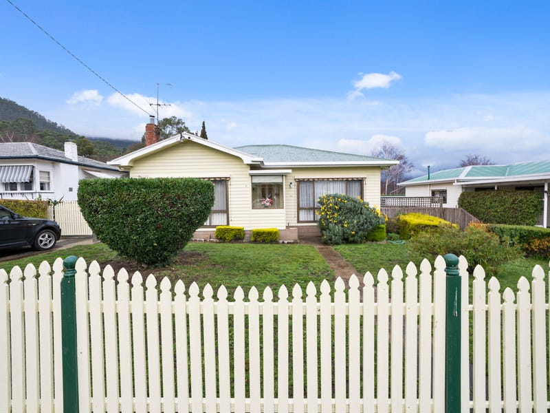 9 Seventh Avenue, New Norfolk, Tas 7140