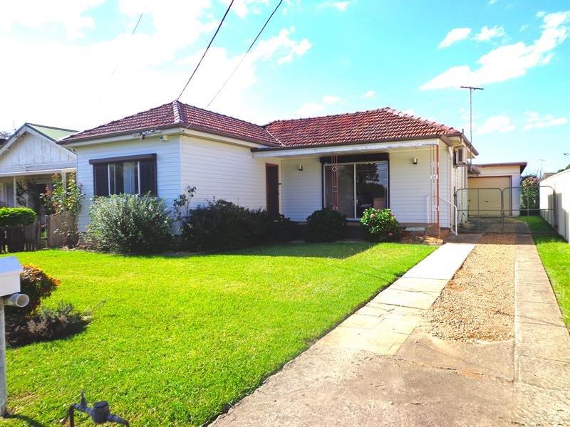 28 Avenel St, Canley Vale, NSW 2166