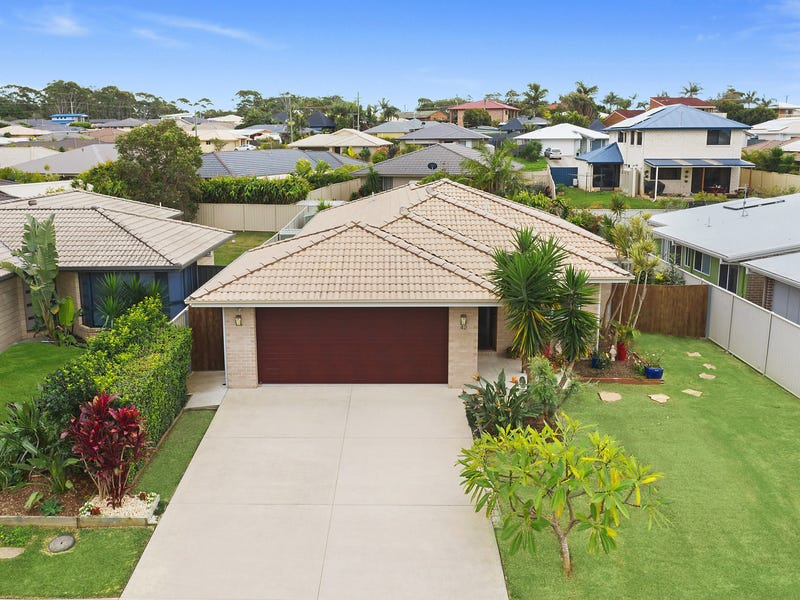 42 Saltwater Crescent, Corindi Beach, NSW 2456