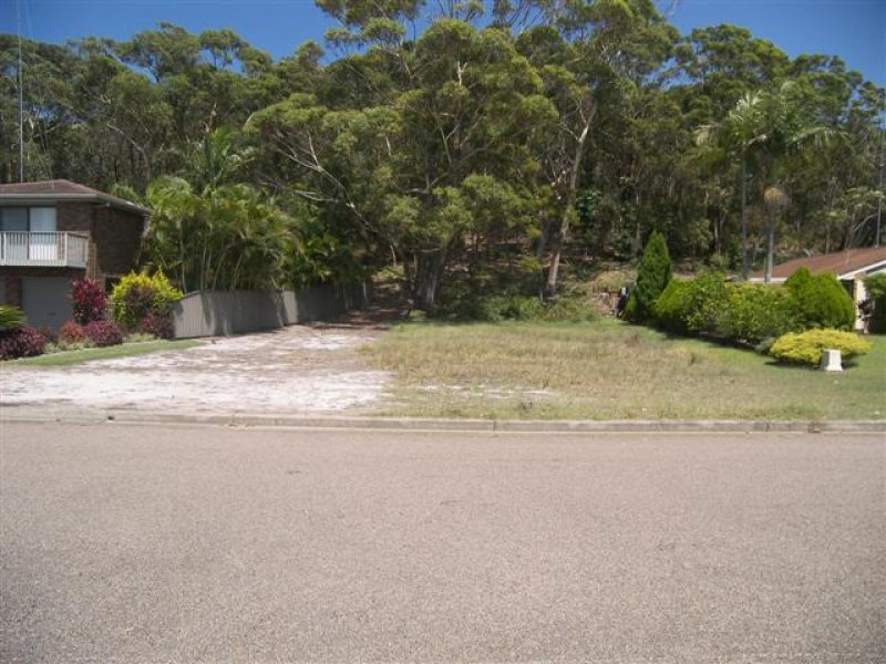 144 Rocky Point  Road, Fingal Bay, NSW 2315