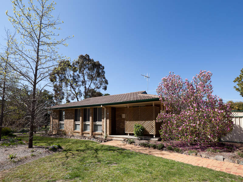 1 Trimmer Place, Kambah, ACT 2902