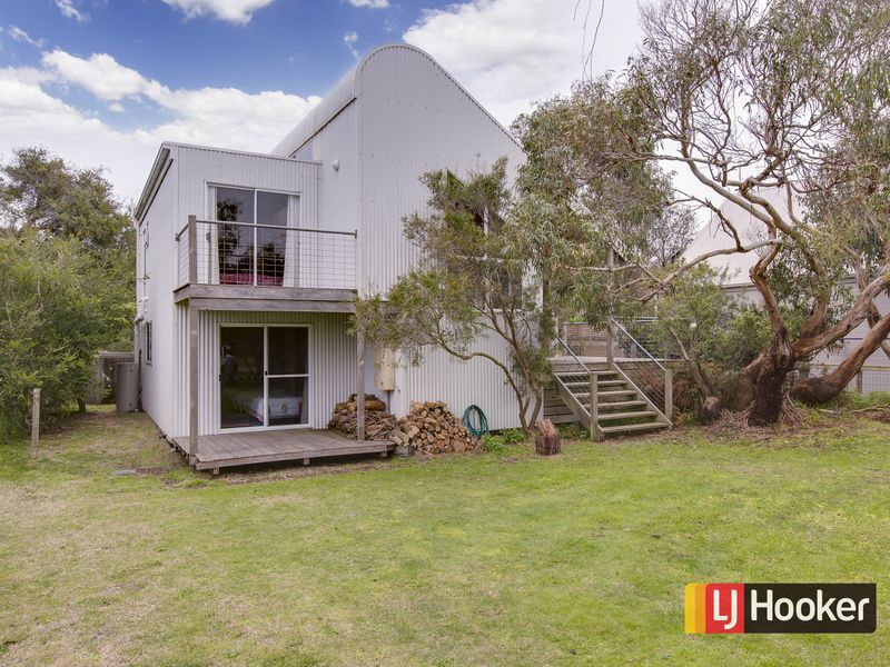 11 Berry's Road, Harmers Haven, Vic 3995