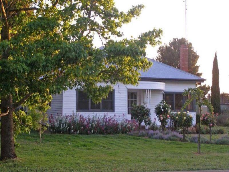16 McKinnons Bridge Road, Noorat, Vic 3265