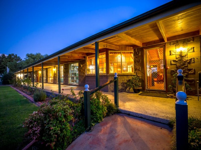 25555 New England Highway, Stanthorpe, Qld 4380