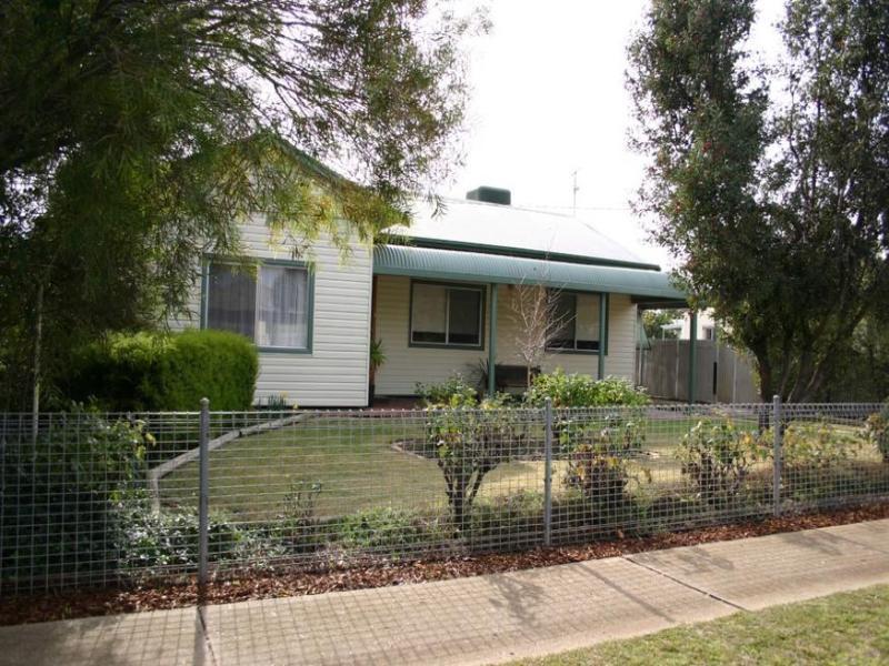 8 Burton Street, Swan Hill, Vic 3585