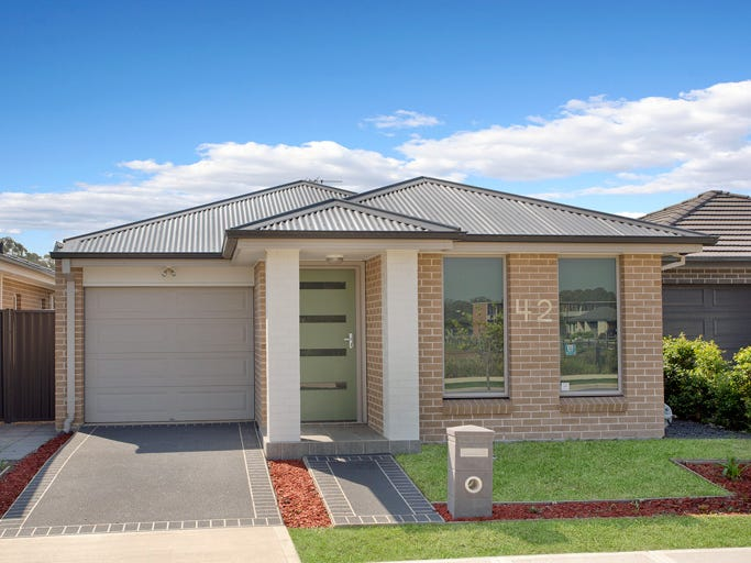 42 Howarth St, Ropes Crossing, NSW 2760