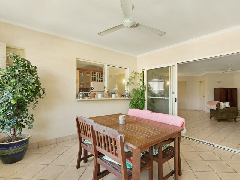 1013/2 Greenslopes Street, Cairns North