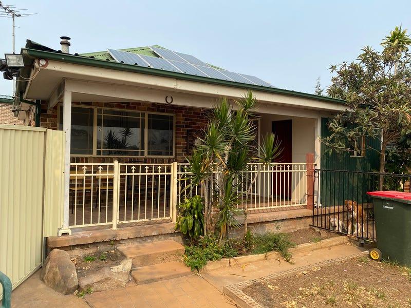 1 Burrowes Grove, Dean Park, NSW 2761