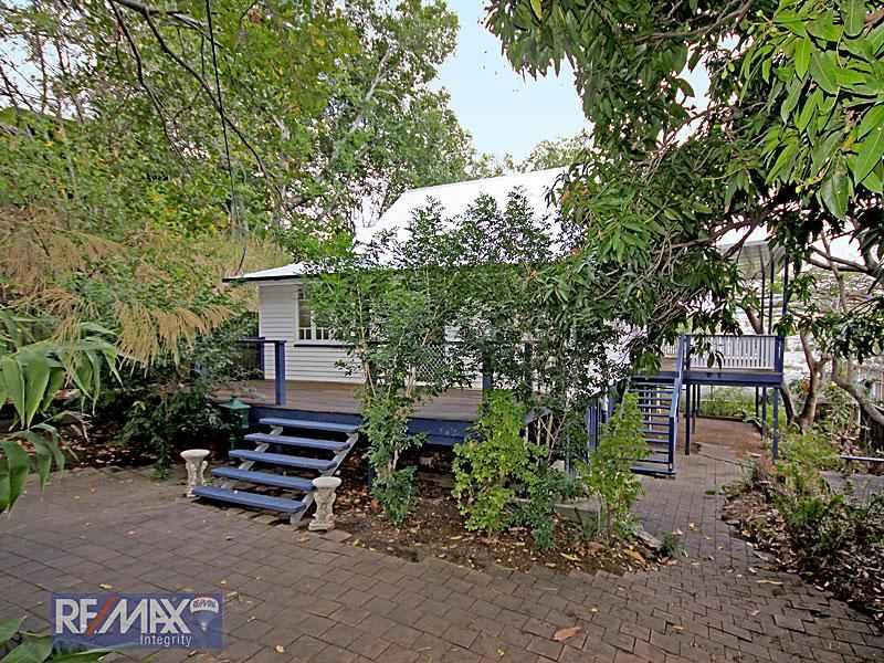 68 Cowlishaw St, Bowen Hills, Qld 4006