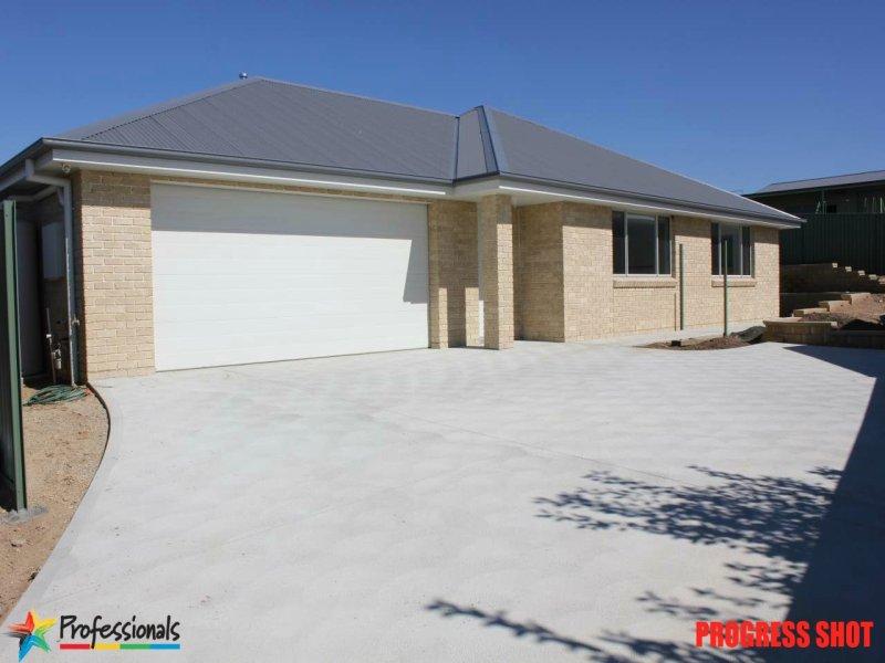 2/3a  Phillip Street, Bathurst, NSW 2795