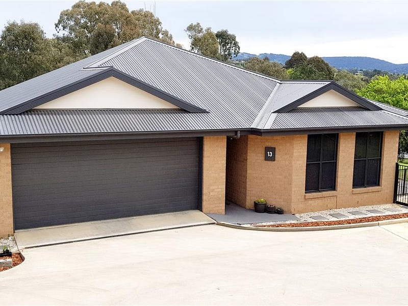 13 Murphy Place, Tumut, NSW 2720