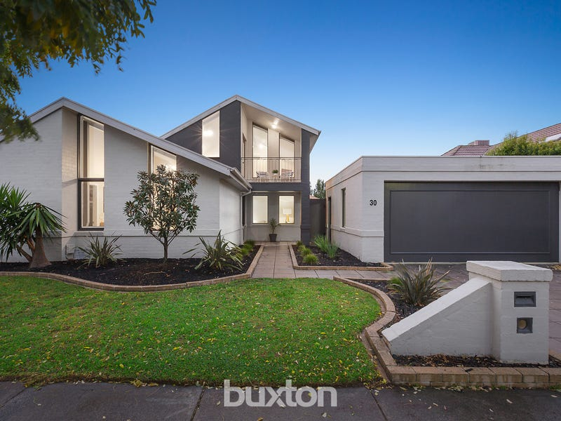 30 Fernhill Drive, Dingley Village, Vic 3172