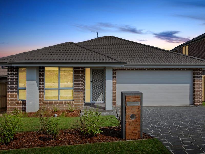15 Dromedary Place, Macquarie Links, NSW 2565