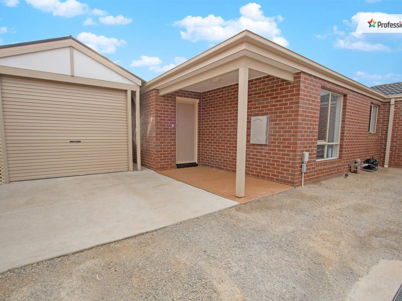 2/8 Denny Place, Melton South, Vic 3338