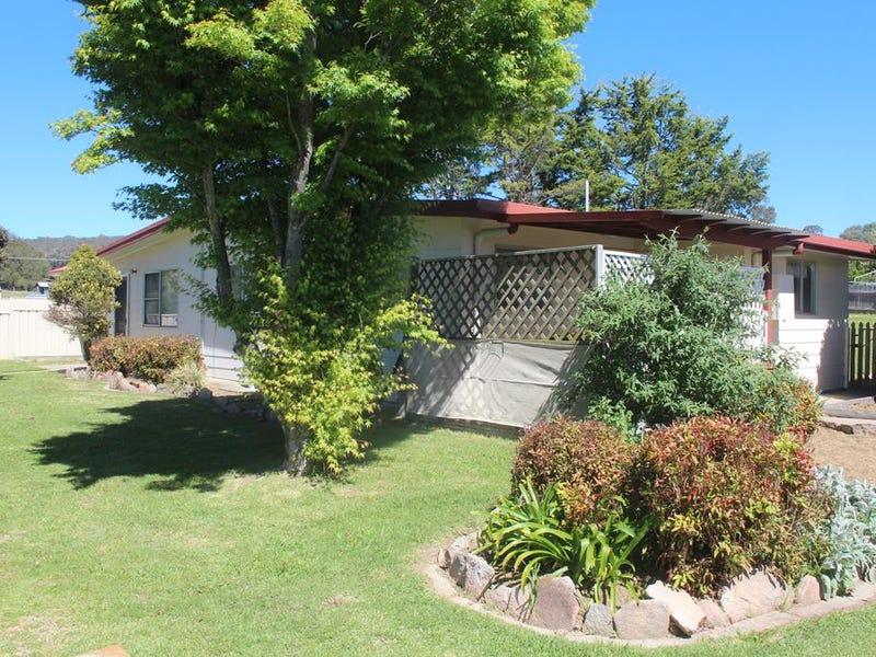 227 Douglas St, Tenterfield, NSW 2372