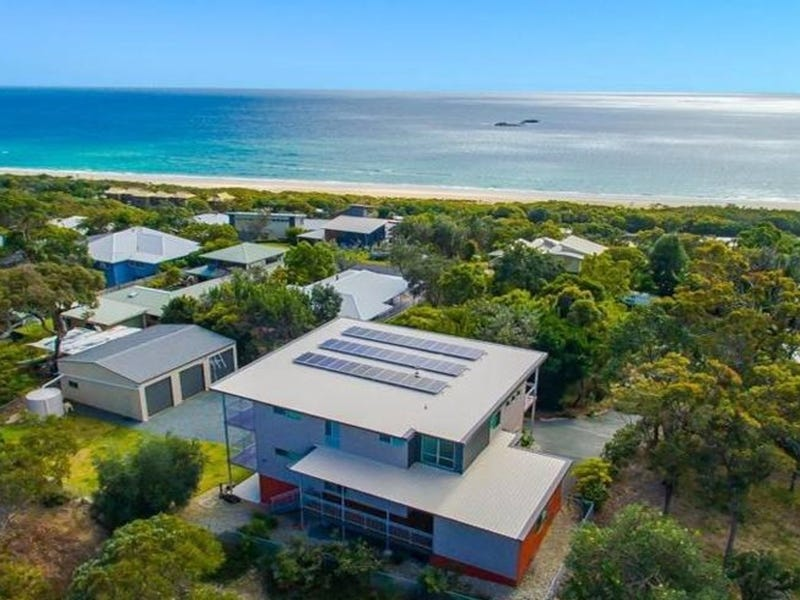 66 Tramican Street, Point Lookout, Qld 4183