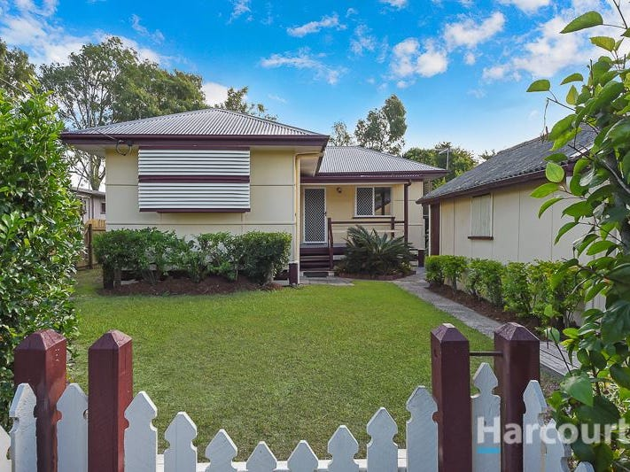 10 Lalroy Street, Beachmere, Qld 4510