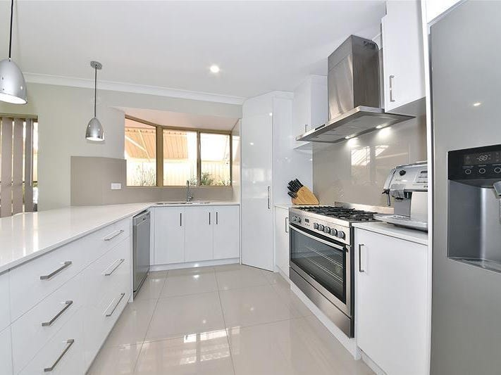 120 Trappers Drive, Woodvale