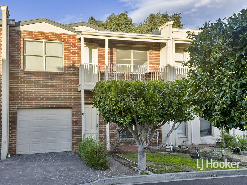 18/14 Mickleton Grove, Point Cook