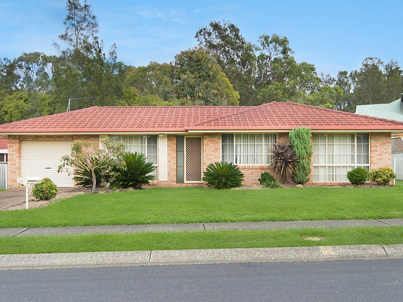 14 Derwent Cr, Lakelands, NSW 2282