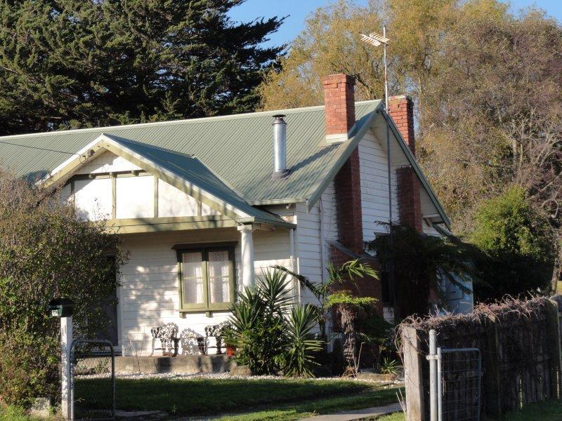 11 Stanley Street, Toora, Vic 3962