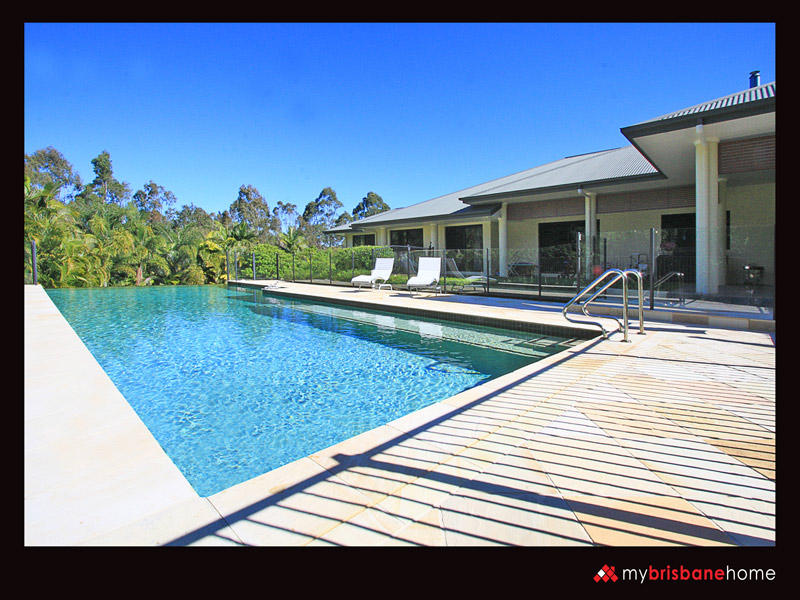 89 Bridgeman Road, Bridgeman Downs, Qld 4035