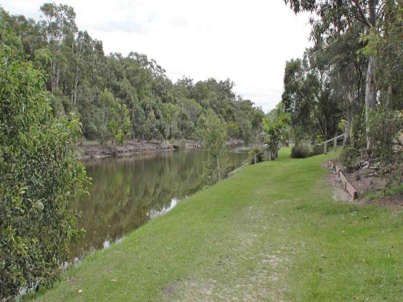 2/56 Kangaroo Avenue, Coombabah, Qld 4216
