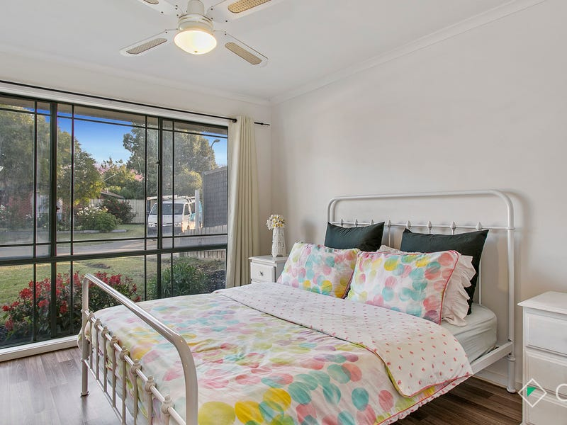 24 England Walk, Narre Warren South, Vic 3805