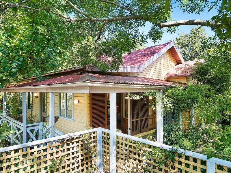 29 Blaxland Road, Wentworth Falls, NSW 2782