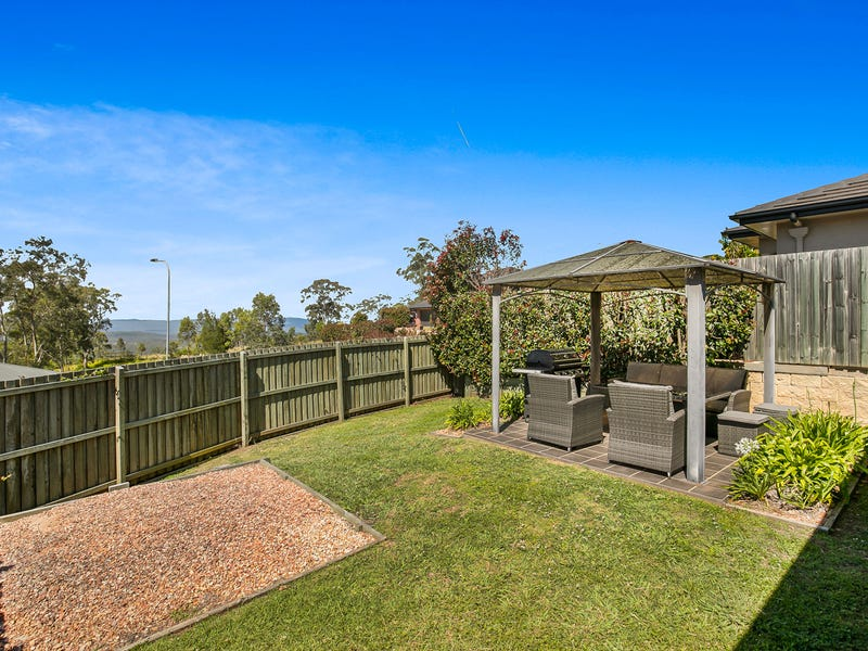 2/22 Piccadilly Court, Mount Lofty, Qld 4350