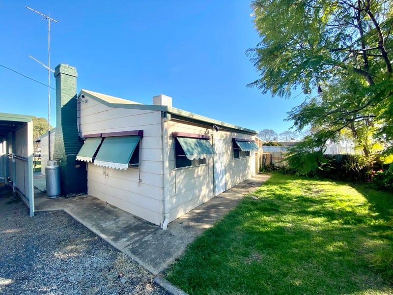 520 Cadell Street, Hay, NSW 2711