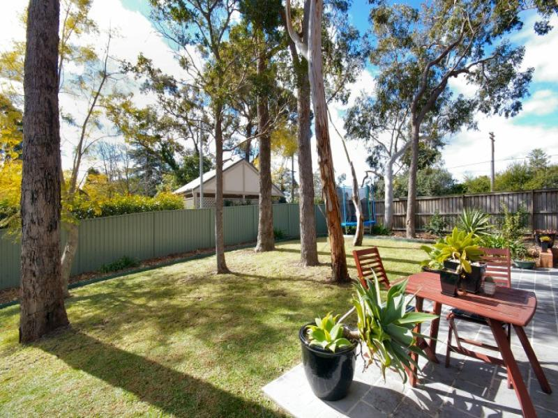 2A Bushlands Place, Hornsby Heights, NSW 2077