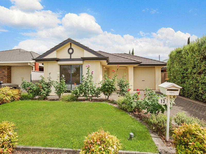 Windsor gardens sa 5087 sold property prices auction for Windsor garden studio