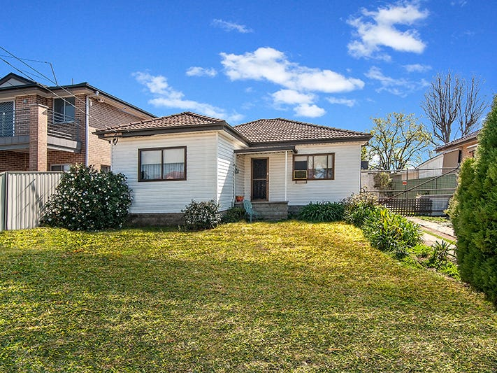 30 LIGAR STREET, Fairfield Heights, NSW 2165