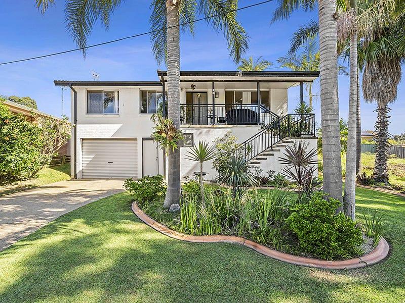 18 Cook Avenue, Surf Beach, NSW 2536