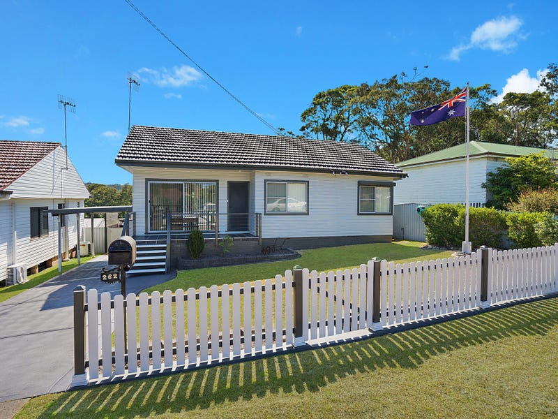 262 Pacific Highway, Belmont North, NSW 2280