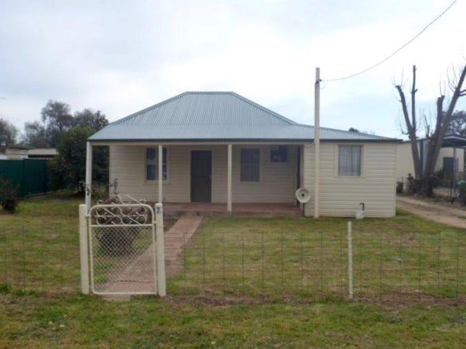 7 Cowra St, Gooloogong, NSW 2805