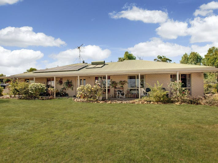 344 SAUNDERS ROAD, Kilmore East, Vic 3764