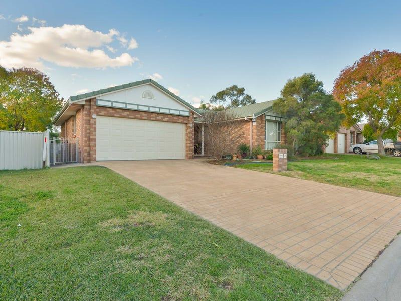 15 Wahroonga Drive, Tamworth, NSW 2340