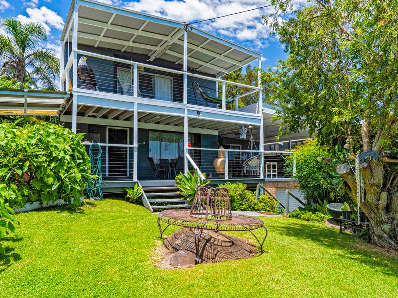 4 Divide street, Forster, NSW 2428